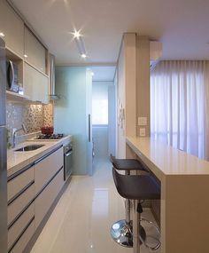 Cozinha com divisória lavanderia