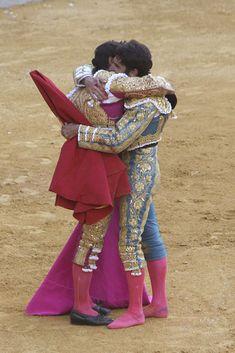 La complicidad de Lourdes Montes y Eva González en el mano a mano de los hermanos Rivera - Foto 4