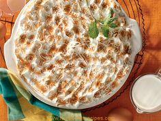 GENOEG VIR MENSE 250 ml k) sago, afgespoel en oornag geweek 1 L k) volroommelk 125 ml (½ k) suiker 2 ml (½ t) sout 10 ml t) brandewyn, opsioneel 30 ml e) botter 1 ml (¼ t) fyn neutmuskaat 4 eiers, geskei 60 ml (¼ k) gladde appelkooskonfyt… South African Dishes, South African Recipes, Sago Poeding, Good Food, Yummy Food, Nigerian Food, Comfort Food, Food Festival, Light Recipes