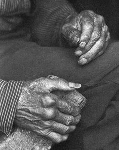 Appalachian laborer hands - the beauty of the well worn hands Hand Photography, Monochrome Photography, People Photography, Vintage Photography, Amazing Photography, Old Photos, Vintage Photos, Appalachian People, Appalachian Mountains