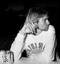 Kurt Cobain simplesmente perfeito <3.<3