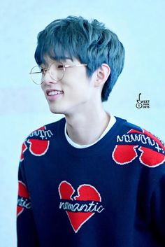 Day6 Jae with blue hair