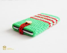 Cute little smart phone sleeve is great for protecting your phone in style. Please ask if you are unsure about your particular phone size or if youd like me to make you a custom phone cozy and I can do that for you quickly! Please specify the model when ordering. Phones iPhone 3G / 3GS 115.5 x 62.1 x 12.3 mm (4.55 x 2.44 x 0.48 in) iPhone 4 / 4S 115.2 x 58.6 x 9.3 mm (4.54 x 2.31 x 0.37 in) iPhone 5 / 5c /5s 124.4 x 59.2 x 9 mm (4.90 x 2.33 x 0.35 in) Asus PadFone Infinity...