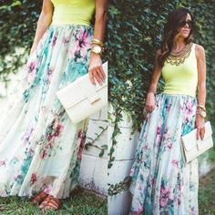 street style floral maxi skirt Spring lookbook outfits http://www.justtrendygirls.com/spring-lookbook-outfits/
