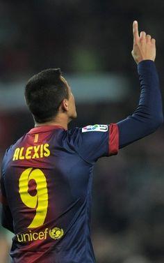 Alexis celebra su gol