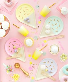 Looking for plates to coordinate with your ice cream birthday party. We have the perfect ice cream sundae party necessities. These plates are perfect for a summer birthday theme. We hope you love these plates for your ice cream birthday Gelato Ice Cream, Ice Cream Theme, Ice Cream Party, Pastell Party, Ice Cream Plating, Ice Cream Novelties, Ice Cream Social, Pastel Decor, Candy