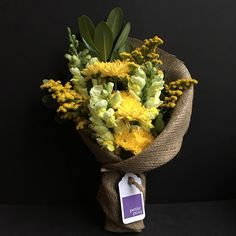 Today's Posy! Snap Dragons, Pompom and Solidaster with Green Pittosporum. Only $25 delivered today anywhere in Manhattan!* . #flowers #florist #Manhattan #newyork #snap #snapdragon #solidaster #pompom #chrysanthemum #foliage #delivered #sameday #only25dollars #yellow #green