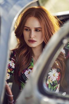 Madelaine Petsch for Elite Daily - 2019 Cheryl Blossom Riverdale, Riverdale Cheryl, Riverdale Cast, Madelaine Petsch, Peinados Pin Up, Kate Beckinsale, American Actress, Redheads, Short Hair Styles
