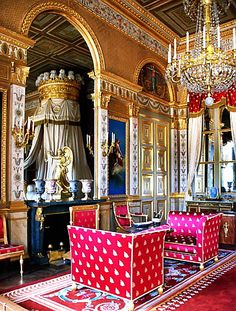 Empress Marie-Louise's bedroom, Palace Of Compiegne, France. Classical Architecture, Historical Architecture, Palace Interior, Interior And Exterior, Versailles, Napoleon, Beautiful Interiors, Beautiful Homes, Fort Mahon Plage