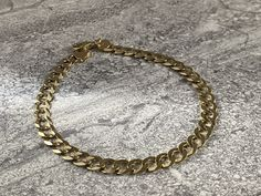 Cuban Link Gold Bracelet in Yellow Gold de YourbestbuysCo en Etsy