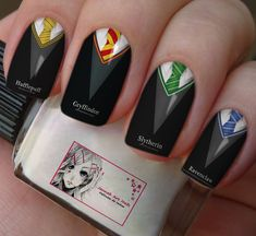 17 Magical Harry Potter Character Nail Designs You Should Try Harry Potter Nail Art, Harry Potter Nails Designs, Bijoux Harry Potter, Images Harry Potter, Harry James Potter, Harry Potter Anime, Harry Potter Jokes, Harry Potter Cast, Cute Acrylic Nails