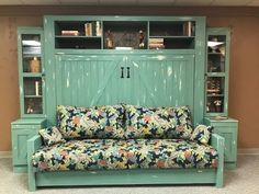 Sofa or couch designed to fit under a murphy bed. Murphy Bed With Sofa, Queen Murphy Bed, Murphy Bed Desk, Murphy Bed Plans, Diy Murphy Bed, Rustic Murphy Beds, Modern Murphy Beds, Horizontal Murphy Bed, Couch Design