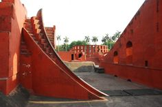 Samrat Yantra at Jantar Mantar in Delhi Famous Monuments, Historical Monuments, Cultural Architecture, Indian Architecture, Delhi India, New Delhi, Jantar Mantar, Astronomical Observatory, Brick Arch
