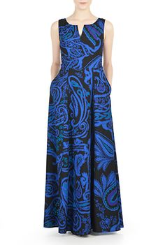 I <3 this Paisley print crepe maxi dress from eShakti. I love paisley patterns and I'm glad they're making a comeback.