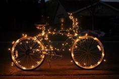 Nos dois finais de semana que antecedem o natal, a ciclofaixa vai ficar aberta das 22h de sábado até às 16h de domingo. Intenção é que pessoas deixem os carros em casa.