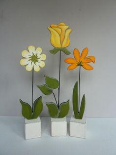 reserviert f. Nadja M. - 3 kl. Sockelblumen von Woodlouse auf DaWanda.com
