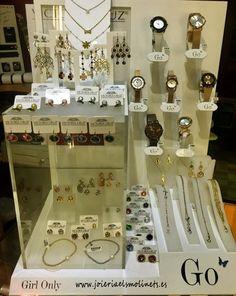 Nuevas colecciones Relojes Go y Joyería en Plata con cristales de colores SWAROVSKI de Victoria Cruz.
