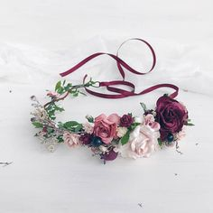 This rustic floral crown is made with preserved greenery, blush and burgundy flowers, leaves, berries, babys breath. Due to the flexible design of wreath individually adapts to the shape of the head. Length 38 cm / 14.8 inches. -------------IMPORTANT TO READ------------- Waiting list is