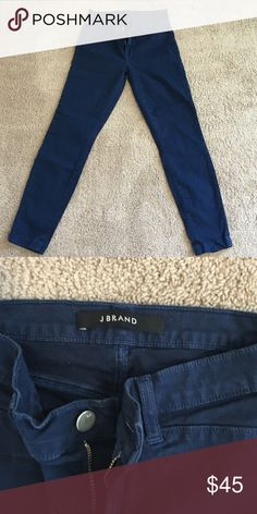 JBRAND Navy Cropped Pants Super cute and comfy pair of cropped navy pants made by JBRAND J Brand Pants Ankle & Cropped