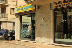 La Casa del Serramento e Copritermo, con i suoi 40 anni di esperienza, rappresenta oggi una delle più importanti realtà del settore infissi in Toscana.