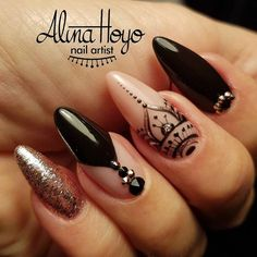 Almond Nail designs shared by Aesthetive on We Heart It black nails, henna, and long n. New Year's Nails, Hair And Nails, Pretty Nail Designs, Nail Art Designs, Cute Nails, Pretty Nails, Henna Nails, Mandala Nails, Nagellack Design