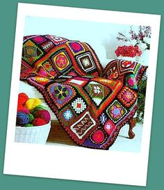 INSTANT DOWNLOAD PDF CROCHET PATTERN FOR GRANNY SQUARE SAMPLER AFGHAN This vintage US crochet pattern for a beautiful sampler afghan throw has been digitally cleaned and enlarged for ease of use. The stunning sampler blanket is made from several granny square variations -