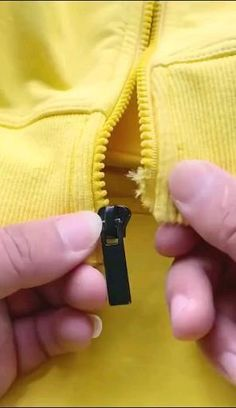 Diy Clothes Life Hacks, Diy Clothes And Shoes, Clothing Hacks, Sewing Clothes, Sewing Basics, Sewing Hacks, Sewing Tutorials, Sewing Crafts, Sewing Projects