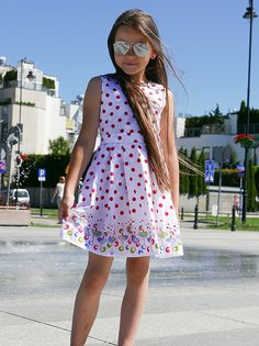 Suknie i sukienki dla dziewczynek na DeFashion.pl | #defashionpolska #fashion #kids #dresses #sukienki #dzieci #suknia Fashion Kids, Dresses, Vestidos, Dress, Gown, Outfits, Dressy Outfits