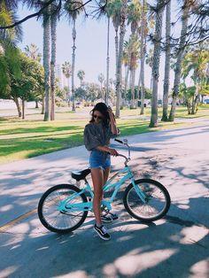 Em 🌻 Emma Verde, Jolie Photo, Photos, Pictures, Youtubers, Ig Post, Celebrities, Vsco, Friendship