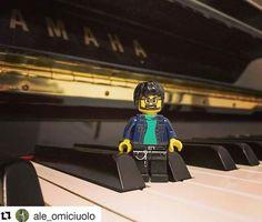 """Colonna sonora di oggi: """"Sinfonia in miniatura""""! 🎶🎹 Esegue @ale_omiciuolo"""