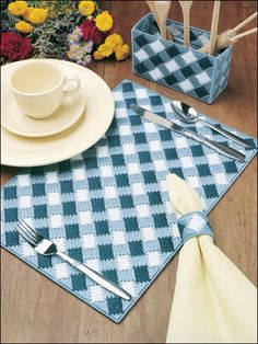 Plastic Canvas - Kitchen Patterns - For the table Patterns - Blue Gingham Table Set Plastic Canvas Stitches, Plastic Canvas Coasters, Plastic Canvas Ornaments, Plastic Canvas Christmas, Plastic Canvas Crafts, Free Plastic Canvas Patterns, Tissue Box Covers, Tissue Boxes, Canvas Designs