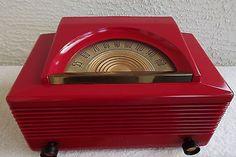 RESTORED AND WORKING 1952 PHILCO TUBE RADIO MODEL 52 - 940