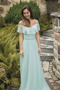 Colour and belt Evening Dresses, Prom Dresses, Wedding Bridesmaid Dresses, Mode Style, Formal Gowns, Pretty Dresses, Dress Skirt, Designer Dresses, Ideias Fashion