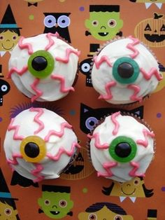 Eyeball cupcakes from  Annie's Eats