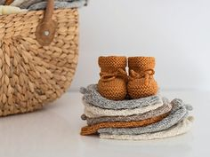 Baby booties hand knit newborn coming home outfit unisex mustard saffron Gifts For Great Grandparents, Great Grandma Gifts, First Fathers Day Gifts, New Baby Gifts, Baby Announcement Grandparents, Pregnancy Announcement Gifts, Baby Alpaca, Alpaca Wool, Chuck Taylors