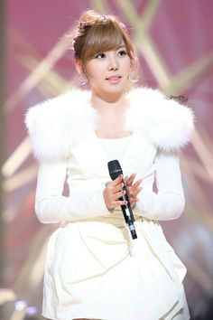 Oh In Hye 오인혜 Red Vacance Black Wedding Http Icelev Hot News Cold Style