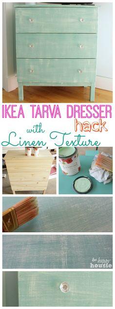Ikea Tarva Dresser - návod na předělávku technikou suchého štětce nejprve v horizontálním a pak opačném směru - dosažení jakoby tkané textury
