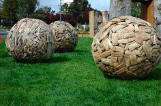 Wooden-globes.jpg 458×304 pixels