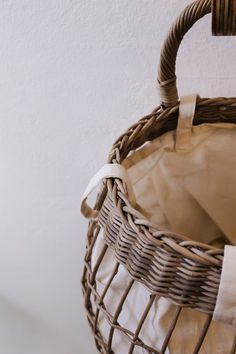 Baskiti: innovative storage solutions - A Table for One Hanging Baskets, Storage Solutions, A Table, Innovation, Fall Hanging Baskets, Shed Storage Solutions, Hanging Basket Storage