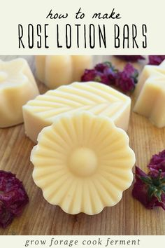 How to Make Rose Lotion Bars These lovely rose lotion bars are easy to make and a wonderful addition to your homemade bath and beauty projects! Learn how to make these all natural, toxin free lotion bars using a step by step tutorial. Lotion Bars Diy, Lotion En Barre, Homemade Face Lotion, Diy Beauty Projects, Diy Projects, How To Make Rose, Diy Bar, Soap Recipes, Beeswax Recipes