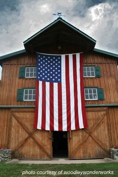 Great picture of this barn with this hugh American flag!!!!!