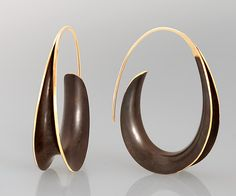 Bronze Oval Earrings by Nancy Linkin. Sophisticated curves forged from sheets of gold and bronze using the anticlastic technique. - October 13 2019 at Contemporary Jewellery, Modern Jewelry, Metal Jewelry, Jewelry Art, Unique Jewelry, Jewelry Design, Fine Jewelry, Handmade Jewelry, Jewelry Making