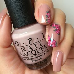 I don't like this particular flowers but like the pattern and the nail polish color!