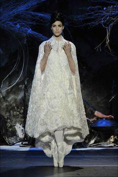 Franck Sorbier - Vestido - capa de novia, en blanco.