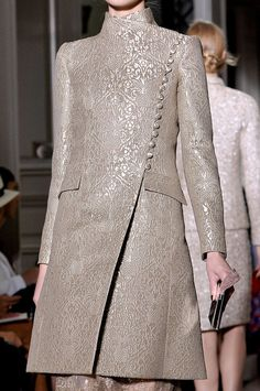 Valentino fall 2011 couture details.  Loved this collection