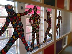 Kunst à la Keith Haring! School Murals, Art School, Keith Haring, Kids Art Class, Art For Kids, School Projects, Art Projects, Ecole Art, Classroom Crafts