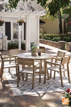 Whether it's for entertaining, spending time with your family, or finding a pe… - Home & DIY Dream Home Design, My Dream Home, House Design, Backyard Patio Designs, Backyard Landscaping, Outdoor Spaces, Outdoor Living, Outdoor Decor, Dream House Exterior
