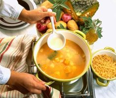 Soft Food Ideas for the Elderly. Soft foods help elderly people who have difficulty chewing or swallowing continue to eat balanced, nutritious meals.