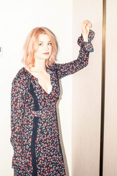 Today you get Alison Sudol (a.k.a. recording artist A Fine Frenzy), who plays Waterston's sister Queenie in Fantastic Beasts and Where to Find Them.