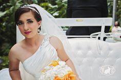 Disneyland Hotel Wedding White Vis a Vis